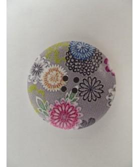 Lot 2172 - 2 boutons résine fleur